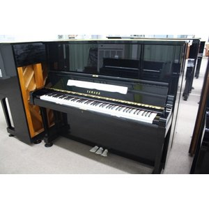 【中古】ヤマハアップライトピアノ UX3(420万台)...