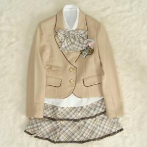 アウトレット 女児ジュニアフォーマルスーツ5点セット ベージュ ゴールド二つ釦 スカート白ベージュピンクチェック 150cm|doresukimono-kyoubi