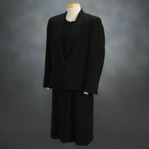 ブラックフォーマルスーツ 喪服 礼服 アウトレット品 アンサンブル2点セット サイズ9号 日本製|doresukimono-kyoubi