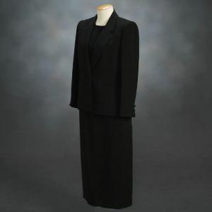 ブラックフォーマルスーツ 喪服 礼服 アウトレット品 スリーピースセット サイズ9号 日本製|doresukimono-kyoubi