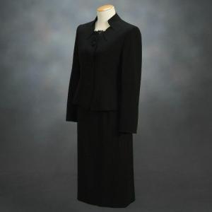 ブラックフォーマルスーツ 喪服 礼服 アウトレット品 スリーピースセット サイズ9号|doresukimono-kyoubi