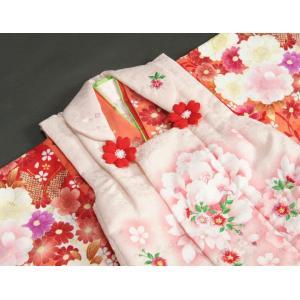 七五三 着物 被布セット着物 3歳 女の子 被布セット  マユミ 濃淡赤地 被布淡いピンク 刺繍桜 芍薬 足袋付き12点フルセット|doresukimono-kyoubi|04