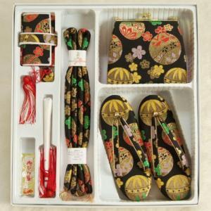 七五三着物用箱セコセット 7歳用 黒 桜 まり 草履バッグ6点セット 日本製|doresukimono-kyoubi