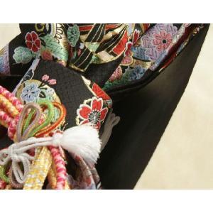 七五三着物用祝い帯 7歳用 黒地 まり柄 鹿の子地紋生地 重ね作り仕様 飾り紐付き 大サイズ 日本製 doresukimono-kyoubi 05