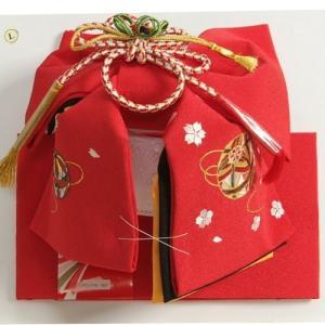 七五三着物用祝い帯 7歳用 赤無地 まり刺繍柄 ちりめん生地 重ね作り仕様 飾り紐付き 大サイズ 日本製|doresukimono-kyoubi