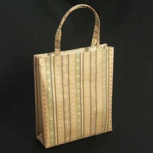 金襴バッグ 和洋兼用 礼装及びカジュアルスタイルのサブバッグ 縦型 有職小柄文様 手提げタイプ 日本製|doresukimono-kyoubi