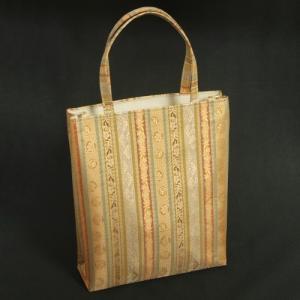 金襴バッグ 和洋兼用 礼装及びカジュアルスタイルのサブバッグ 縦型 手提げタイプ 有職柄 日本製|doresukimono-kyoubi