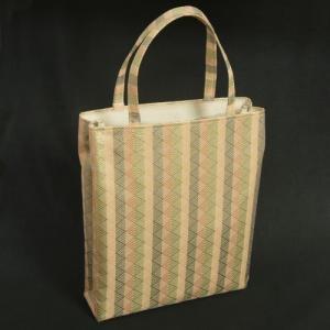 金襴バッグ 和洋兼用 礼装及びカジュアルスタイルのサブバッグ 縦型 手提げタイプ 鱗地文様 日本製|doresukimono-kyoubi