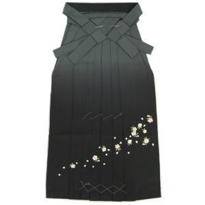 卒業袴 卒業式 グレー 濃淡ぼかし 桜刺繍 へら付き 特価品 S、M、L、LL、3L|doresukimono-kyoubi