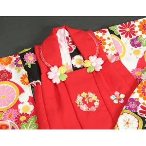 ベビー着物 赤ちゃん用女の子着物 白黒濃ピンク三色ボカシ着物 赤色被布 二部式仕様の楽々着せ付けタイプ|doresukimono-kyoubi|03