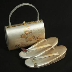 草履バックセット 振袖 訪問着 留袖 金鷲ブランド シルバーゴールド濃淡ボカシ 螺鈿使い 流水 三枚芯 Mサイズ 日本製|doresukimono-kyoubi