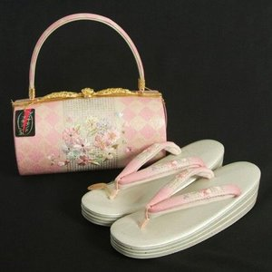 草履バックセット 振袖 訪問着 華刺繍使い ピンク市松 銀通し生地 Lサイズ 三枚芯 優花緒使用 日本製