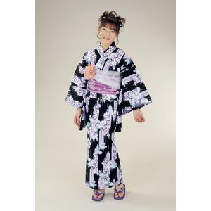 浴衣 ジュニアサイズ リョウコキクチブランドゆかた6点セット 黒紫 浴衣に結び帯、下駄、縫い付け済み腰紐までついたセットです 130cm|doresukimono-kyoubi