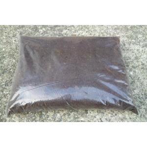 国産カブトムシ用 発酵マット 約10L袋(カブト虫の幼虫用マット、産卵マット)|dorukusu