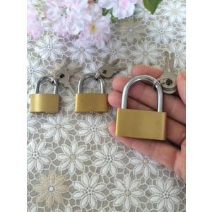 昔ながらのレトロなカギ シリンダー錠 大きさ違う3セット (大、中、小) 鍵は各3つで安心 アウトレット特価/在庫限りのため 防犯、新生活に|dougumanzoku
