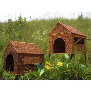 天然素材/ペット用品/ハウス/シダ材使用 ※高い床タイプ/手作り品/優しさがあります/骨組み枠の一部さびあり/ママも嬉しい窓つき|dougumanzoku