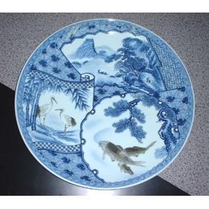 有田焼 大皿 18号 間取鯉鶴山水 尺8寸 54cm|douguya-net