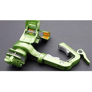 LEDライト用 マウントホルダー 滑り止めつきスマートフォン 素材:ABS製 適応携帯幅:54-96...