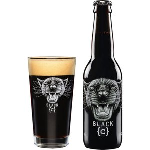 インパクト抜群のラベル!   ブラック{C}は、ブラックパンサー(黒豹)のラベルが印象的です。  こ...