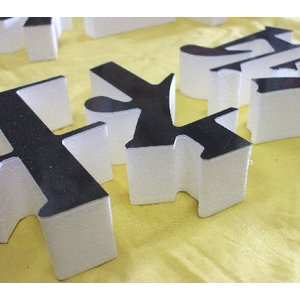 50mm厚の切り文字 カルプ材500角|dreamaki