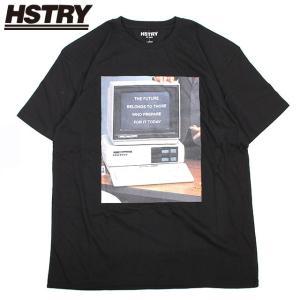 NASプロデュースブランド『HSTRY』の半袖Tシャツ。懐かしのコンピュータをデザインに落とし込んだ...