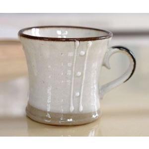 素朴でかわいらしい雰囲気の、瀬戸焼の和風マグカップです。 コーヒー、紅茶、ホットミルク等、何にでもお...