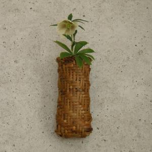 掛け花籠 鉈鞘籠 根曲り竹 煤竹 鳳尾竹 |e-basket
