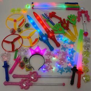 光るおもちゃ色々アソート 70個+予備5個|e-christmas