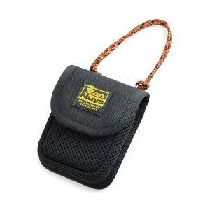 バンナイズ 柔らか素材のふわふわイヤホンケース ブラック (送料無料)|e-earphone