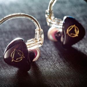 (お取り寄せ) AROMA アロマ Witch Girl 12 最新BAドライバー12基搭載 高音質 カナル型 イヤホン イヤフォン(納期お問い合わせ下さい) (送料無料) e-earphone