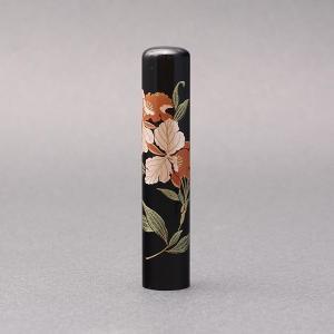 印鑑/蒔絵(花)-黒水牛(高級芯持)-【カトレア】/熟練職人の手彫り仕上げ-12mm