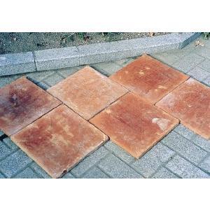 床材 敷きタイルのテラコッタの素焼きは、庭と玄関に是非!温かみと懐かしさを感じる素材のテラコッタをお...