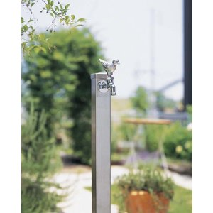 立水栓 水栓柱はガーデニングと洗車にと大活躍アイテムです。シンプルなステンレスの立水栓なのでお庭の雰...