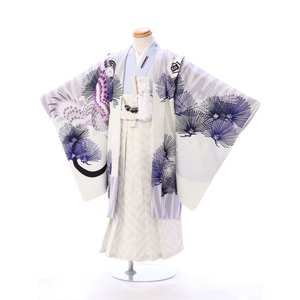 5歳男の子 羽織袴レンタル  都会的で新しい和をイメージした上質な羽織袴セットです   羽織:絵羽 ...