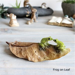 木の葉のカエル Frog on Leaf かえる 0003 雑貨 ガーデン雑貨 インテリア|e-mintcafe