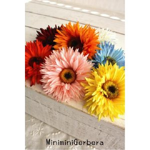 miniミニガーベラのコサージュ 造花 雑貨|e-mintcafe