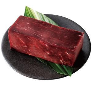 <長崎名物> 長崎伝統の鯨をお愉しみいただくために、上質な赤身肉を選りすぐりました。