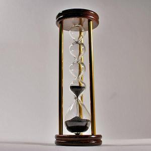 誤差が少ない砂鉄を使用した「職人の手作り砂時計(3分計)フレンチサンドグラス」金子硝子|e-tisanes