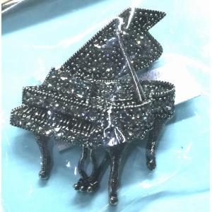 ラインストーン 音楽 ブローチ ピアノ e-yoshiyagakki