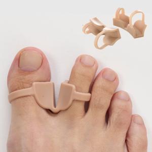 親指と人差し指の間を適度に広げて歩行時の衝撃を抑え、足指をやさしく保護してくれます。 馴染みやすい肌...