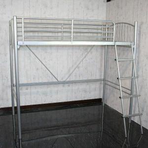 二段ベッド 2段ベッド ベット パイプベッド  ロフトベット シングル 大人  シルバー マットレスは別売りの写真