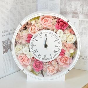 ■商品説明:時計の文字盤、プリザーブドフラワーのバラにキラッと輝くスワロスキーを上品にあしらいました...