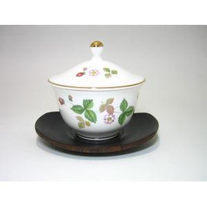 ウェッジウッド・ワイルドストロベリー オリエンタル蓋付湯呑・茶托|eins
