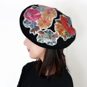 ベレー帽 日本製 秋冬 バラ色の帽子 カトリーヌの庭 ウール ベレー帽 Barairo no Boushi 花 アップリケ 可愛い プリント 帽子 個性的 クロ elehelm-hatstore