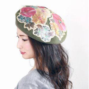 バラ色の帽子 アップリケ 可愛い 帽子 ウール ベレー帽 Barairo no Boushi 秋冬 カトリーヌの庭 花 プリント 個性的 ベレー帽 日本製 アーミー 緑 elehelm-hatstore