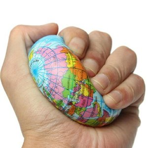 新品 送料無料●固め地球儀スクイシーボール 地球 スクーズボール 約10cm●おもちゃ スクイーズ ストレス解消  世界地図 発泡スチロール|elelerueru
