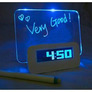 送料無料 新品 箱無し●デジタル LEDバックライトディスプレイ/目覚まし/置時計/メッセージボード● 時計 T|elelerueru