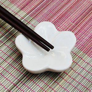 アジアン雑貨 プルメリアの花模様のお箸置き フラット-1輪タイプ ホワイト アジア工房