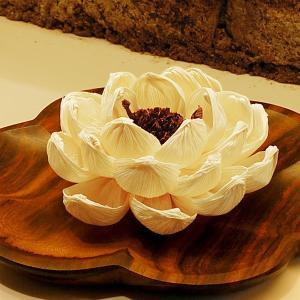 アジアン雑貨・バリ雑貨!蓮の花をモチーフにしたデコレーションフラワー。 デザインはもちろん、にもこだ...