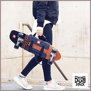 【代引不可】【受発注】必要最小限の荷物を手軽に持ち運べるサコッシュバッグ。極限に薄く軽く設計されたサ...
